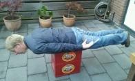 Naujoji manija - plankingas (gulėjimas)