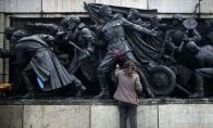 Bulgarijoje, išvaduotojų paminklas nudažytas komiksų herojais