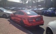Įspūdingi Dubajaus studentų automobiliai