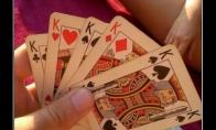 Kai su mergina žaidi pokerį iš nusirenginėjimo