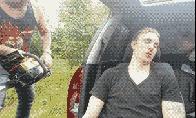 14 būdų pažadinti miegantį draugą [GIF galerija]
