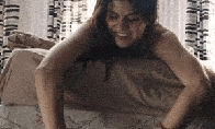 Alexandra Daddario karšti GIF'ai