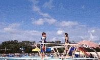 Nevykusių šuolininkų į vandenį GIF rinkinys