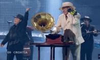 15 labiausiai WTF Eurovizijos visų laikų pasirodymų [GIF]