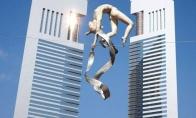 Skulptūros, pamiršusios apie fizikos dėsnius [GALERIJA]