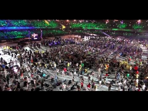 1000 muzikantų groja Nirvaną