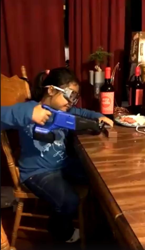 Vaikas nesilaiko darbų saugos