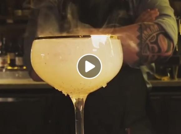 Kietas barmeno kokteilis