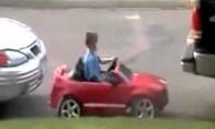 Normaliai bachūriukas parkuojasi, a? (1 video)