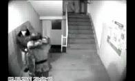 Mergina išsigelbėjo nuo prievartautojo