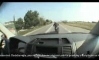 Kaip linksmieji slovakai baudžia blogai išauklėtus vairuotojus