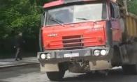 Rusijos sunkvežimiai: nuožmūs ir negailėstingi