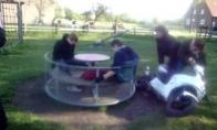 Marozai vaikų žaidimo aikštelėje