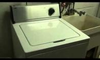 Grojanti skalbimo mašina