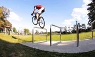 Fantstiški triukai su dviračiu