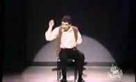 Ponas Bynas groja nematomais būgnais