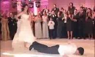 Kietas vestuvinis šokis