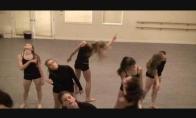 Žiauriai gražus šokis