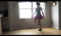 Ir merginos moka šokti