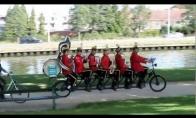 Orkestras ant dviračio