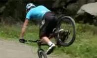 Neįtikėtini triukai su dviračiu