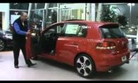 Riaušės automobilių prekybos salone
