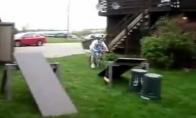 Neįtikėtinas triukas su dviračiu