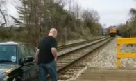 Kaip išvengti susidūrimo su traukiniu
