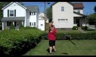Krūmų genėjimas su benzopjūklu