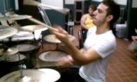 Žonglierius-būgnininkas