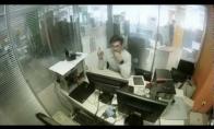 Nesveikas pabėgimas iš ofiso