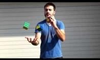Rubik kubik žongliruotojas