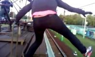 Debilai ant traukinio