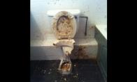 Teroro aktas tualete