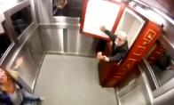Dienos LOL'as: Klaikus pokštas lifte 2