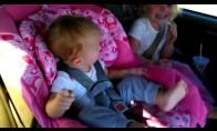 Miegančio vaikelio šokis