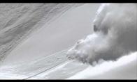 Pamišęs slidininkas prieš sniego laviną