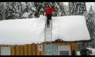 Idiotas ant stogo