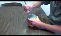 Kaip atidaryti konservų skardinę su šaukštu