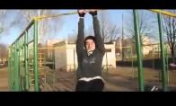 Neįgalus vaikinas parodo neeilinę jėgą