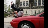 Neeiliniai triukai su BMX dviračiu