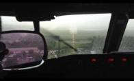 Pilotas bando aklai nutupdyti Boeing'ą