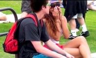 Prikolas: skiriamės su nepažįstamom merginom
