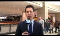 Televizijos reporteris trolina praeivius