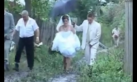 Kaip atrodo tikros vestuvės Rusijos kaime