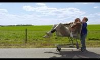 Naujausio Jackass filmo pristatymas