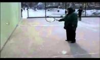 Tenisas - labiausiai aktyviems žmonėms sportas!