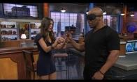 Mike Tyson išdarinėja stebuklus su dartais