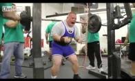 Neįtikėtinai stiprus vyras su dauno sindromu