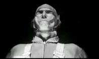 Žmogaus veidas vėjui pučiant 735kmh greičiu